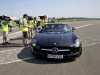 coulthard-and-shepherd-set-record-worlds-farthest-golf-shot-caught-in-moving-car-003