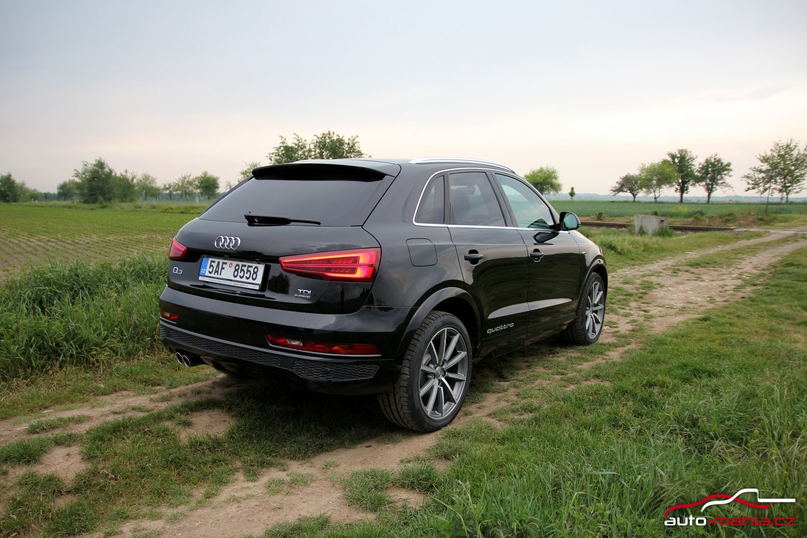 test audi q3 2 0 tdi 110 kw quattro. Black Bedroom Furniture Sets. Home Design Ideas
