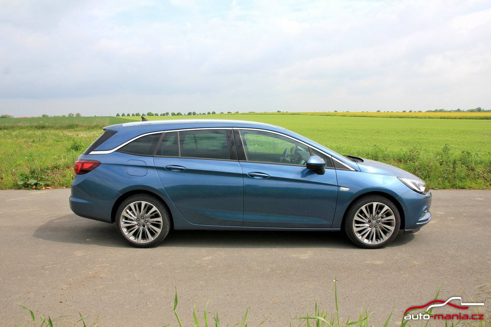 test opel astra sports tourer 1 6 cdti biturbo 118 kw