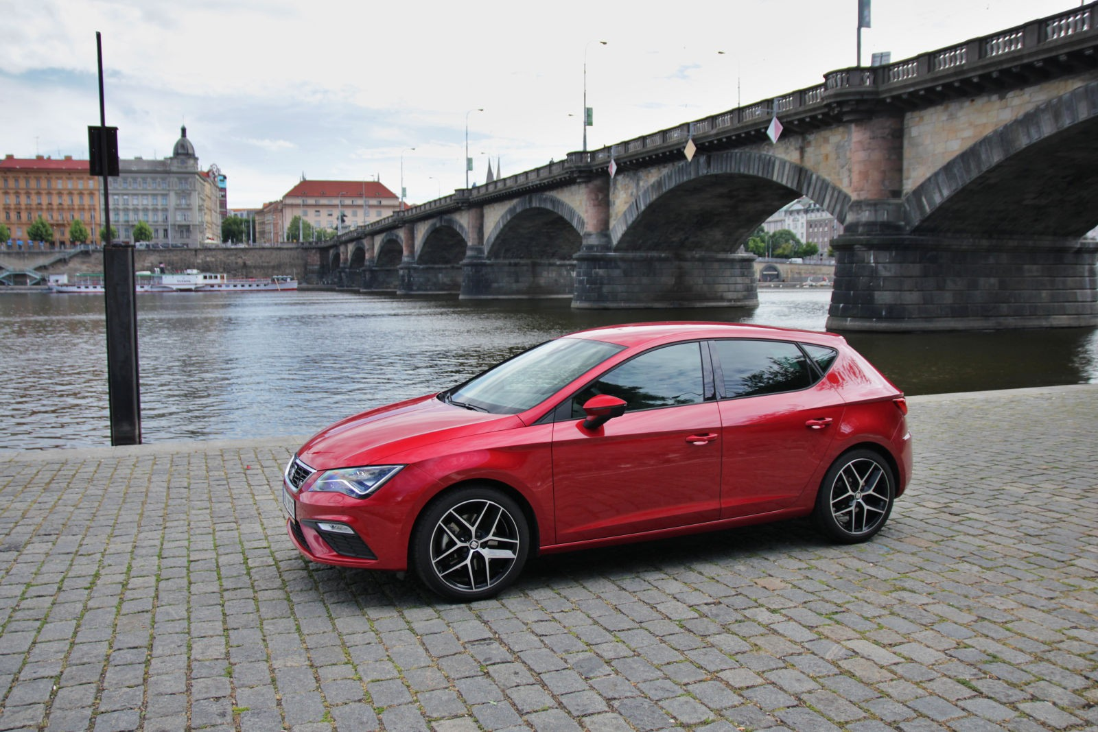 test seat leon fr 1 4 tsi 110 kw act. Black Bedroom Furniture Sets. Home Design Ideas