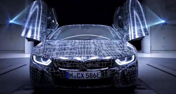 BMW i8 Roadster se představuje na prvním teaseru – video
