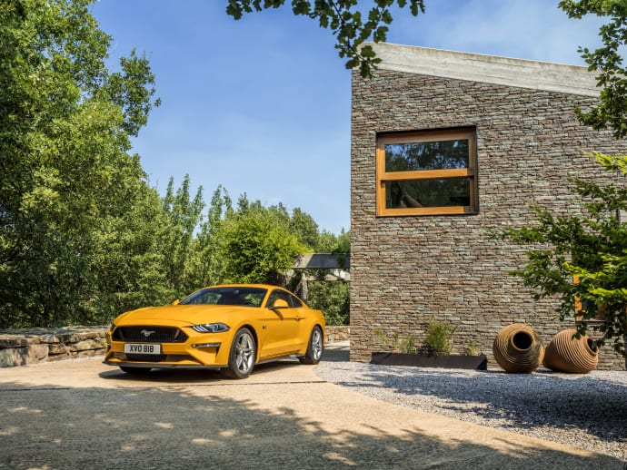 2018-ford-mustang-2