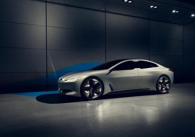 BMW i Vision Dynamics: elektromobil s dojezdem až 600 km