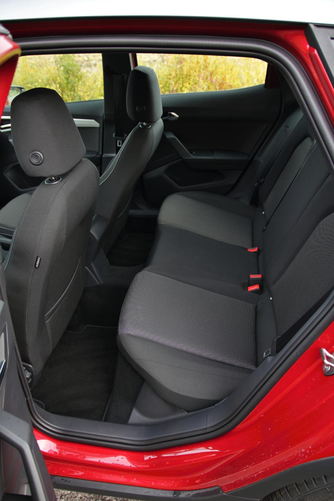 test seat arona 1 0 tsi 85 kw. Black Bedroom Furniture Sets. Home Design Ideas