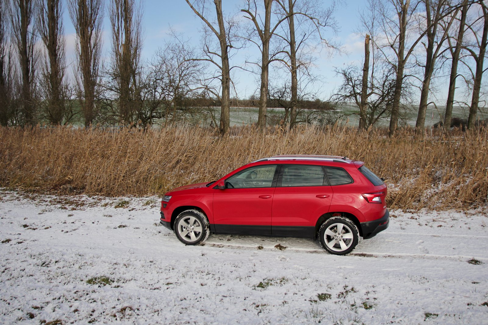 test skoda karoq 15 tsi 110 kw 4 auto. Black Bedroom Furniture Sets. Home Design Ideas