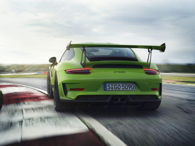Porsche-911-GT3-RS-3-1