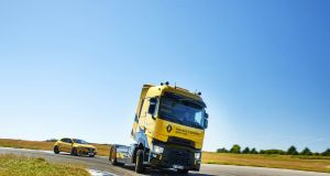 Renault T High Renault Sport Racing