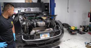 bugatti-veyron-mansory-vymena-oleje-video