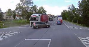 fatalni-nehoda-kamion-auto-video