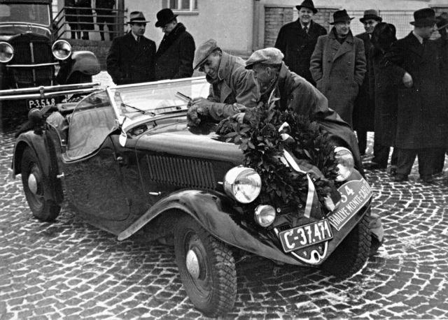 180815-SKODA-POPULAR-Sport-1936