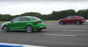 400-hp-audi-rs3-drag-races-400-hp-jaguar-i-pace-ev-127636_1
