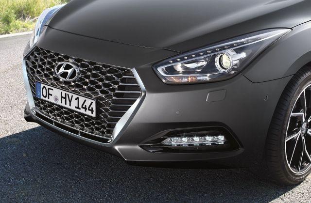 2019-Hyundai-i40- (5)