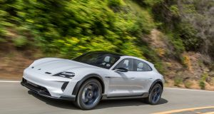 Porsche-Mission-E-Cross-Turismo-01