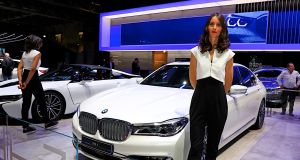 autosalon-pariz-2018-hostesky- (16)