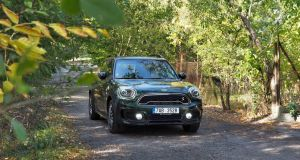 test-MINI-countryman-s-e-hybrid