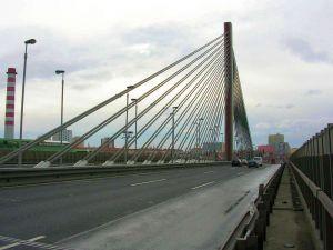 Pražské dopravní peklo. Další zavřený most i oprava Jižní spojky