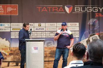 Moderátor Martin Pouva a pilot kamionu (508) Martin Kolomý
