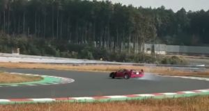 carguy-ferrari-f40-drift-video