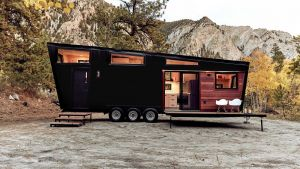 Luxusní bydlení na kolech. Tenhle karavan vám ostudu neudělá
