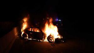 Po velké nehodě skončilo Porsche 911 Carrera v plamenech. Nic z něj nezůstalo