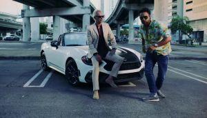 Hlavní hvězdou nového videoklipu Stinga a Shaggyho je… Fiat