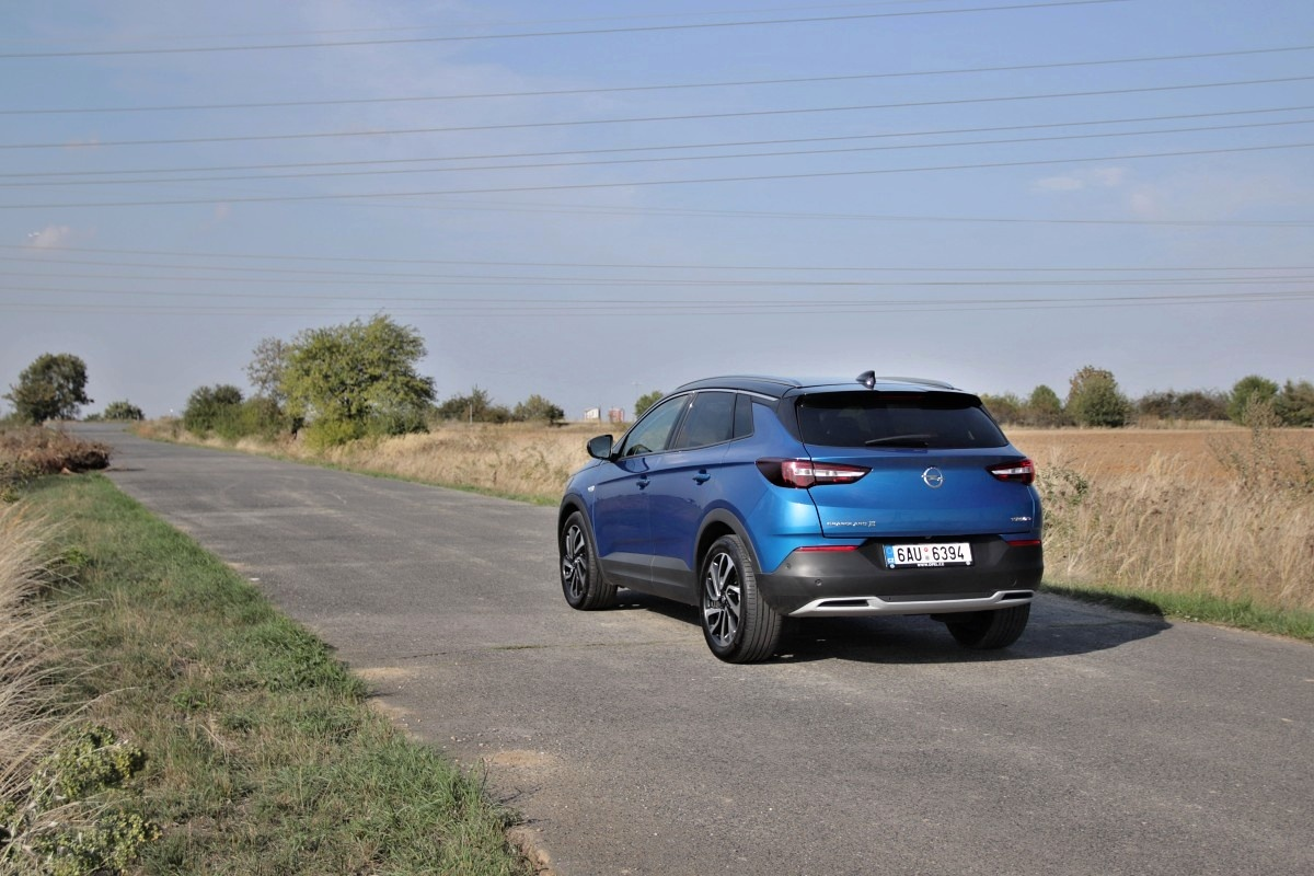 test-opel-grandland-x-20-cdti-177-8at- (4)