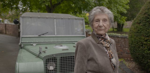 Land-Rover-Dorothy-Peters- (2)