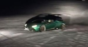 lamborghini-huracan-performante-spyder-na-sjezdovce-video