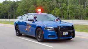 Policisté zastavili ujíždějícího mladíka, ale nezatkli ho. Důvod možná překvapí