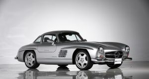 Mercedes-Benz-300-SL-Gullwing-AMG