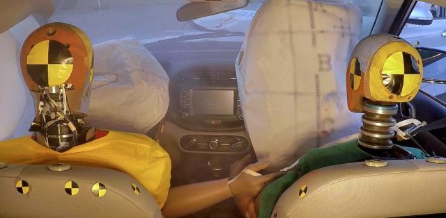 hyundai-vicenasobne-airbagy- (1)