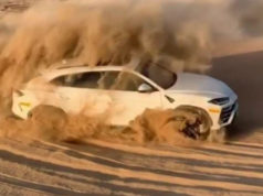 lamborghini-urus-drift-v-pousti-video
