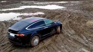 tesla-model-x-off-road-video