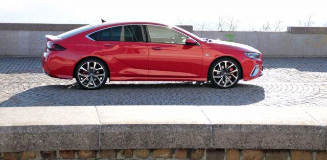test-2018-Opel-Insignia-GSi-Grand-Sport-20-CDTI-8A-4x4- (6)