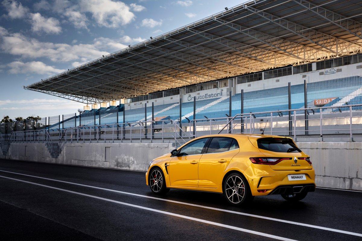 2019_Renault_MEGANE_IV_R_S_TROPHY- (7)