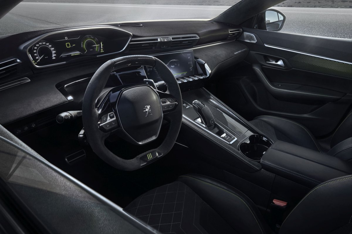 Peugeot-508-PEUGEOT-SPORT-ENGINEERED- (5)