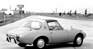 fota2_toyota_sports_800__pierwszy_seryjnie_produkowany_samochod_z_dachem_targa