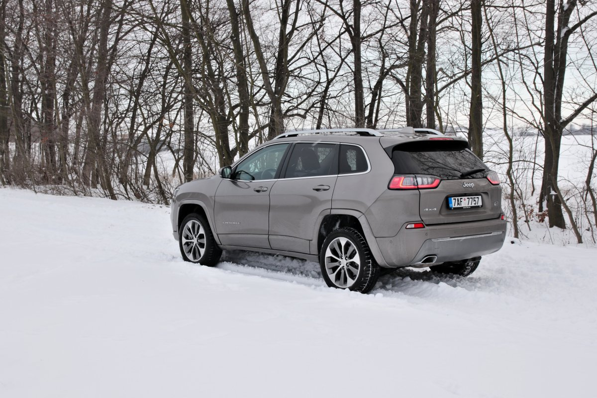 test-2019-jeep-cherokee-22-multijet-200k-4x4-at- (7)