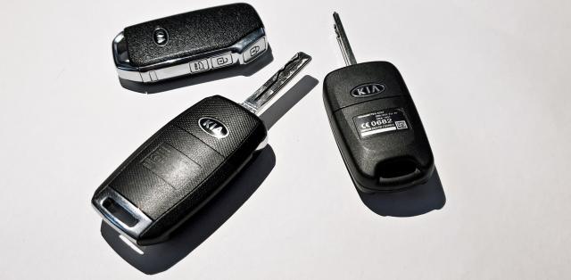 test-kia-ceed-tri-generace-klice-1