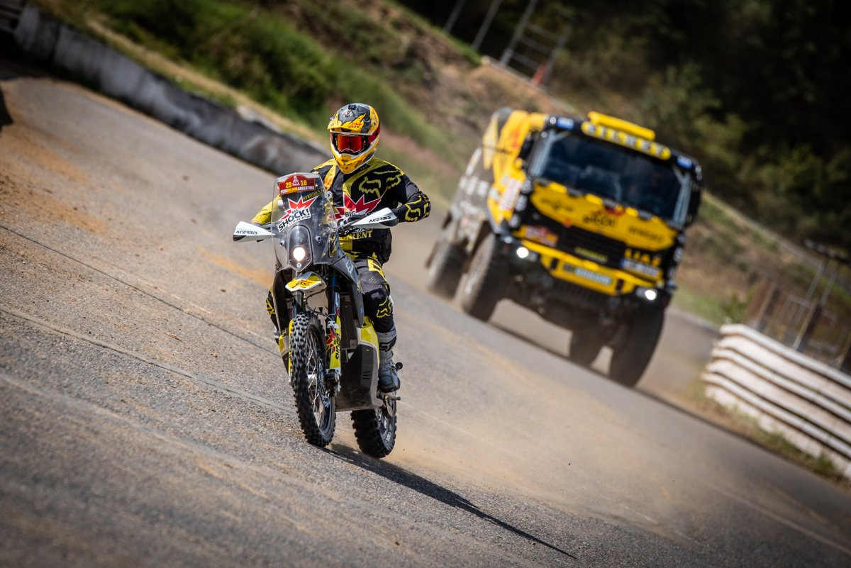 Mogul-Dakar-setkani-Big-Shock-Racing-1