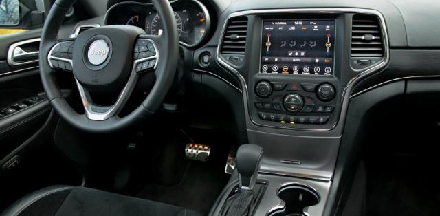 test-2019-jeep-grand-cherokee-30-crd-8at-4x4- (30)