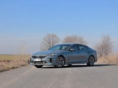test-2019-kia-stinger-22-crdi-rwd-at- (1)