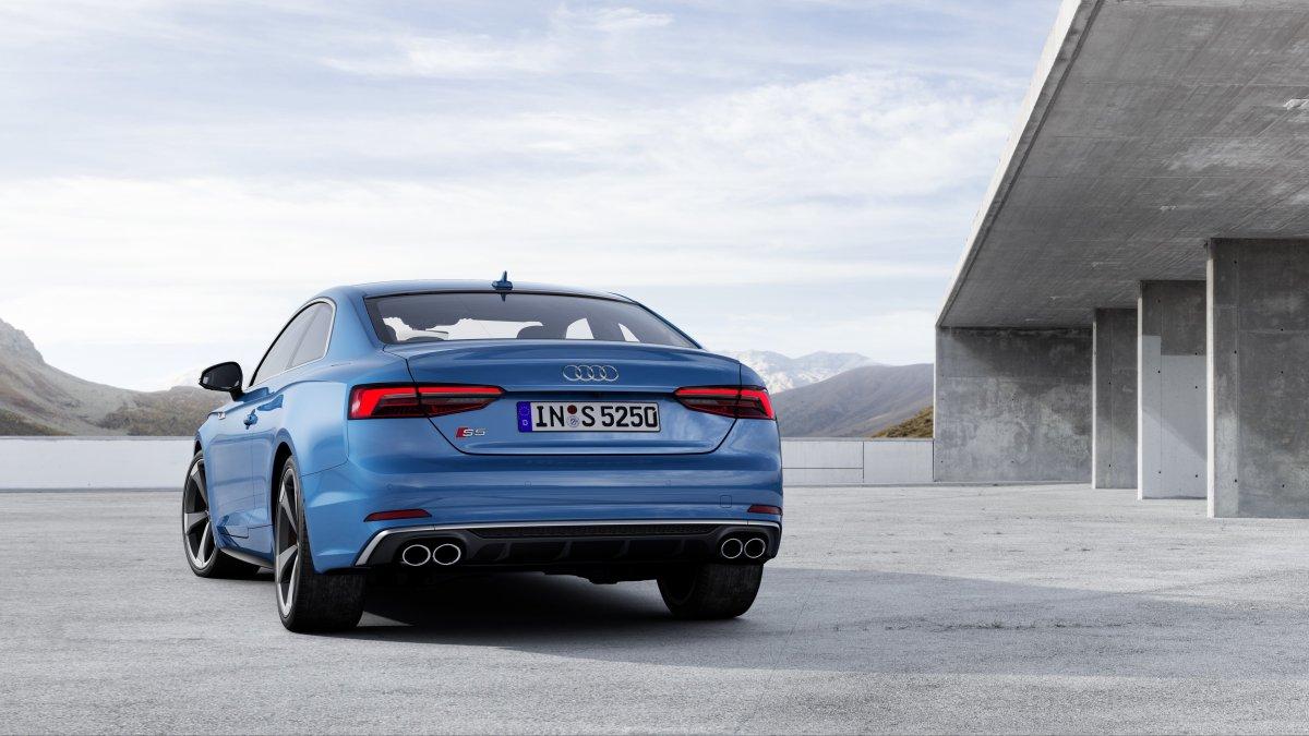 2019-Audi-S5-TDI-zadek