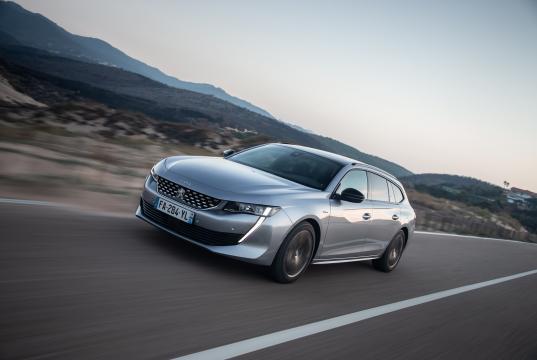 Ilustr-foto_2-stupen-autonom-Peugeot-508SW