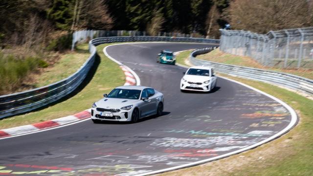 prvni-jizda-2019-kia-stinger-gt-nurburgring