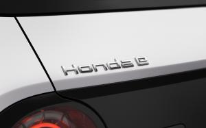 HONDA_E_zadni-logo