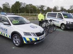 mestska-policie-praha-skoda-octavia-scout-a-volkswagen-transporter- (9)