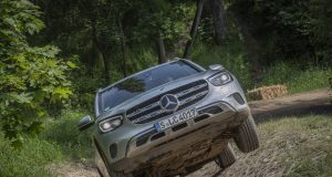 2019-facelift-mercedes-benz-glc-300-d-4matic-off_road- (10)