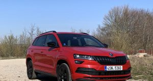 test-2019-skoda-karoq-sportline-15-tsi-110-kw-act- (5)