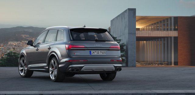 2020-Audi-SQ7-TDI- (14)